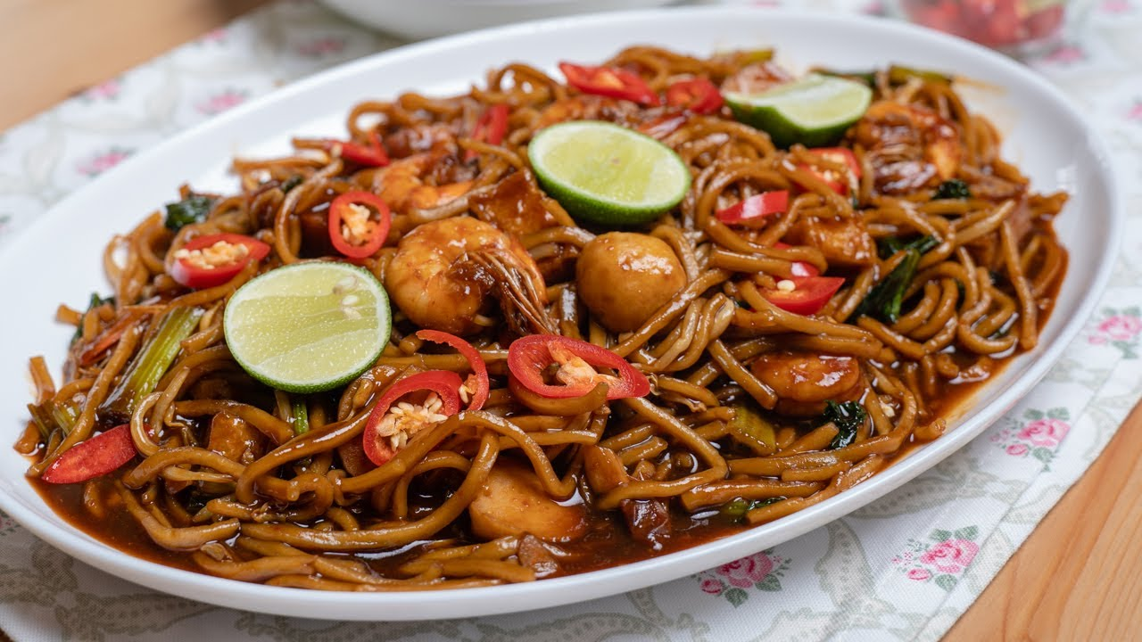Tired Of Rice? Try This Simple & Yummy Seafood Stir Fry Noodles With Tofu!