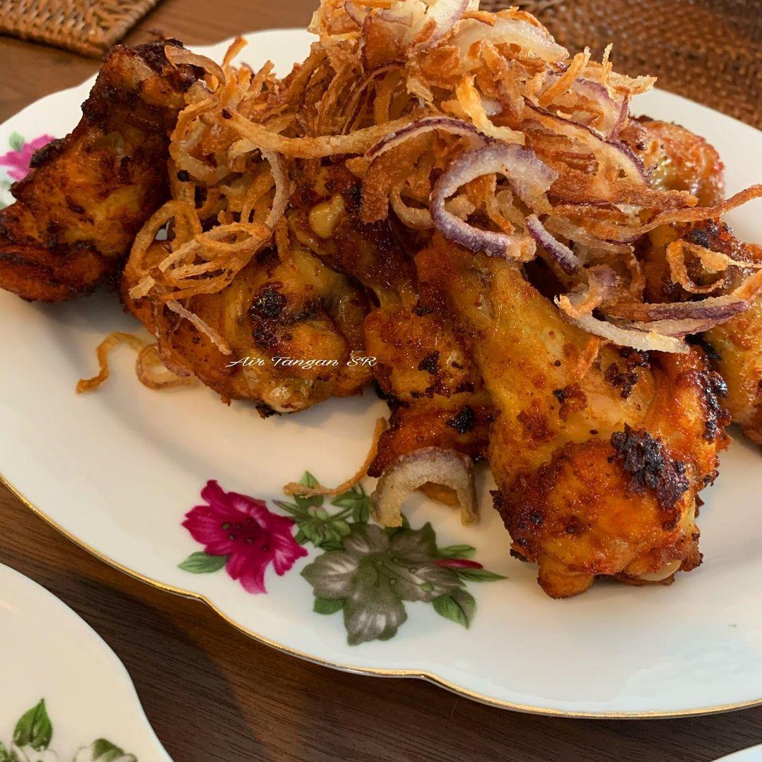 Resepi Ayam Goreng Bawang Dari Sheila Rusly, Simple Tapi Gerenti Sedap!