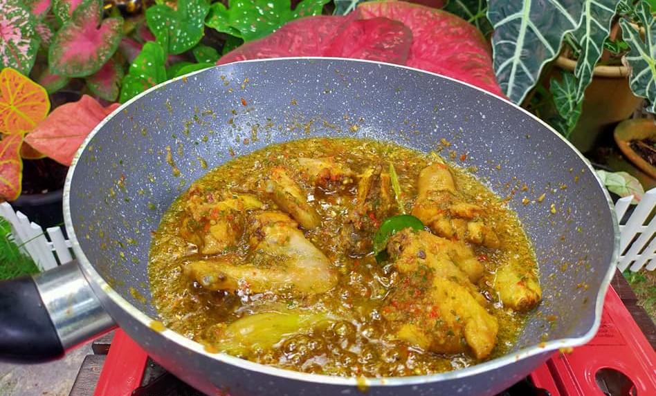 Resepi Enak Ayam Tumis Serai, Confirm 'Cik Abang' Puji Melambung